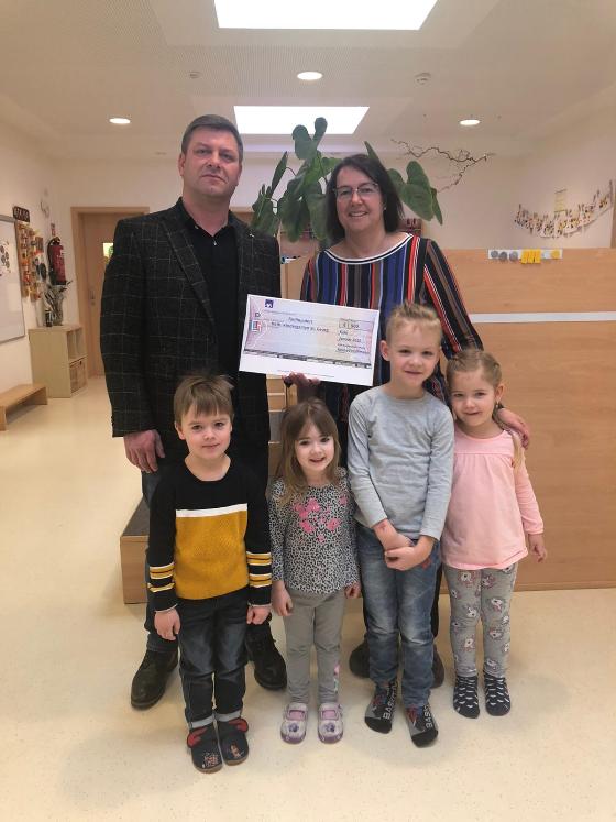 Spende für die Kleinen - Wir unterstützen den örtlichen Kindergarten mit einer Spende