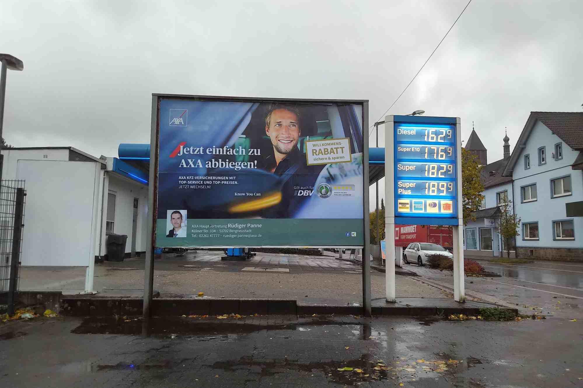 Benzinpreis steigt ! Kfz-Versicherung- mit AXA sparen!